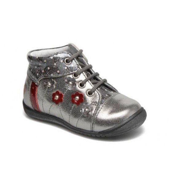 Boots Nayana