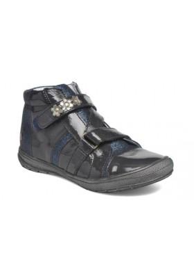 Boots Nicoleta