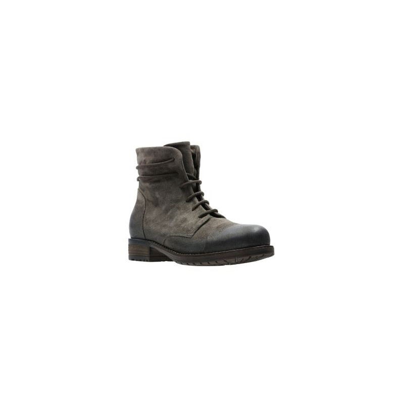 cd0a2f62848cfb clarks Boots Adelia